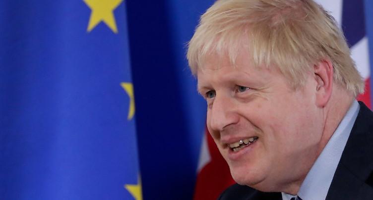 Boris Johnson tente de séduire les députés avant un vote historique
