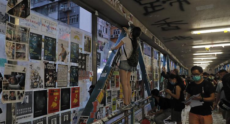 Militant pro démocratie grièvement blessé à coups de couteau à Hong Kong