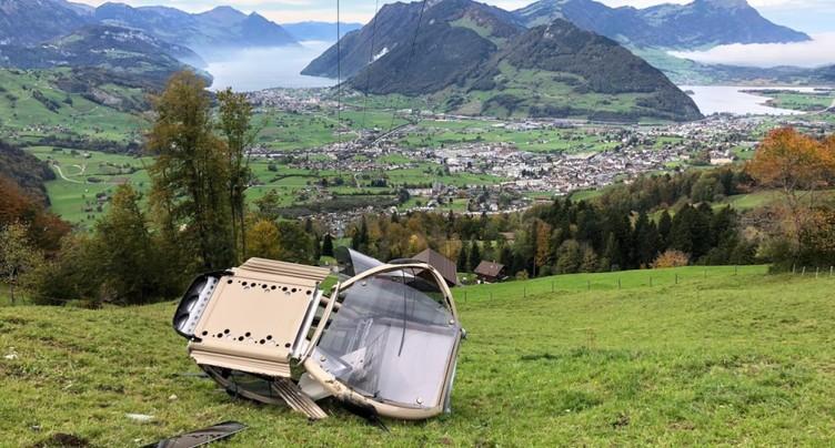 Une télécabine chute de vingt mètres à Schwyz: pas de blessé