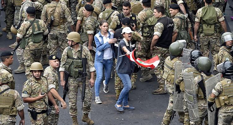 L'armée se déploie au Liban, la mobilisation pacifique se poursuit