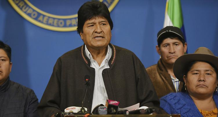 Vacance du pouvoir après des démissions en cascade en Bolivie