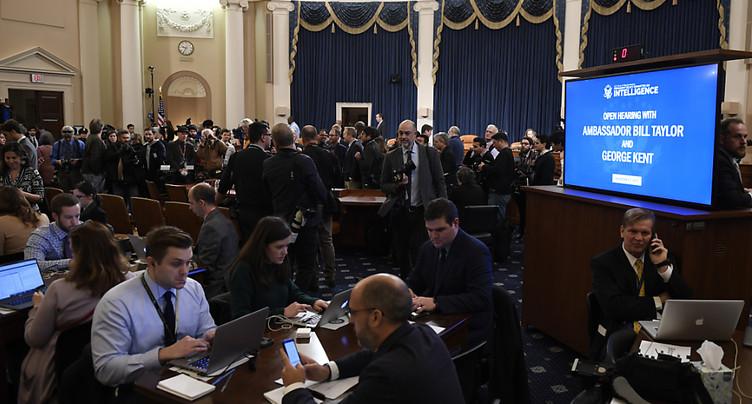 Destitution de Trump: ouverture d'auditions publiques au Congrès