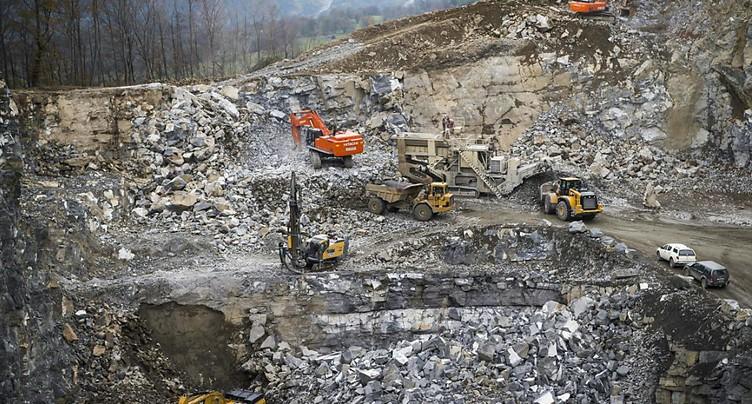 Bras de fer pour l'extension d'une importante carrière en Valais