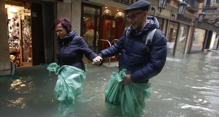 Nouveau pic de marée haute attendu à Venise