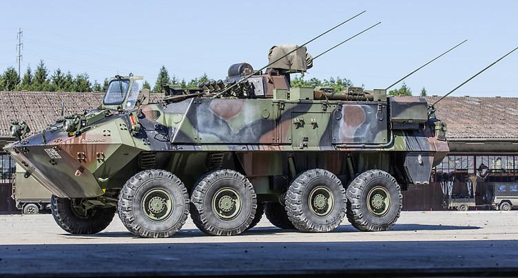 Un char Piranha de l'armée percute une voiture dans le canton de St-Gall: deux blessés