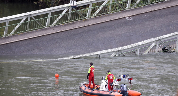 Pont effondré à Toulouse: le chargement était trop lourd