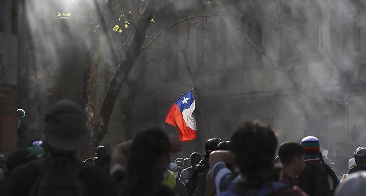 Des milliers de Chiliens manifestent au 50e jour de crise sociale