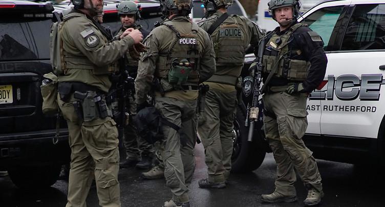 Fusillade dans la banlieue new-yorkaise: plusieurs morts