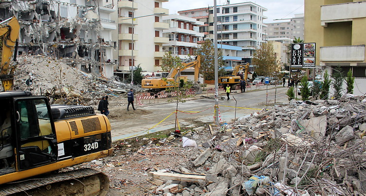 Effondrement d'immeubles en Albanie: neuf personnes arrêtées