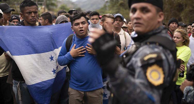 A la frontière guatémaltèque, toujours plus de migrants honduriens