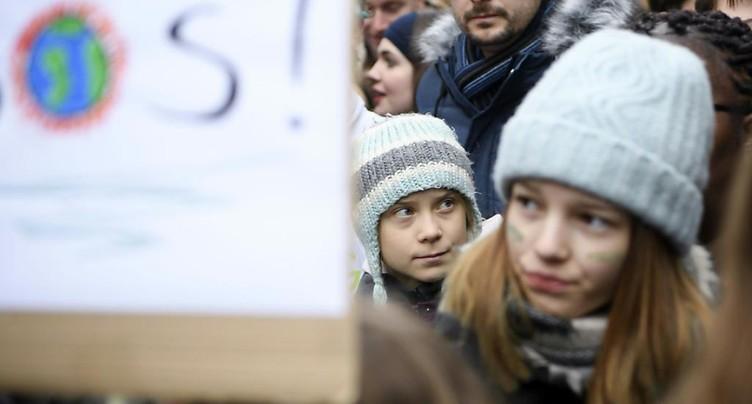 Des milliers de jeunes Suisses dans la rue à Lausanne