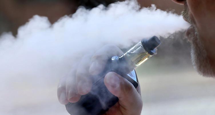 Genève interdit la vente de tabac et d'e-cigarettes aux mineurs