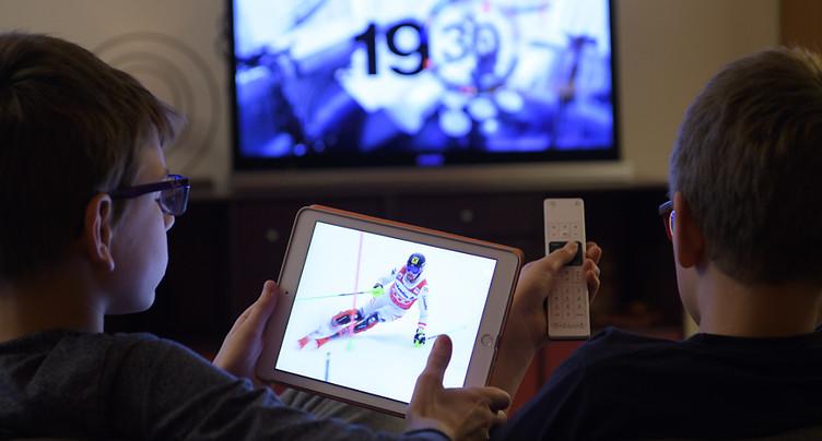 La télévision reste le principal influenceur d'opinion en Suisse