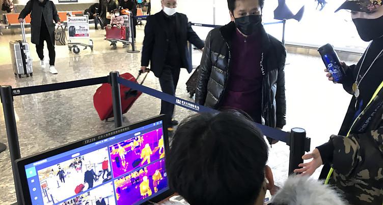 Virus chinois: contrôles renforcés dans le monde