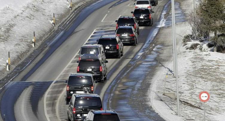 Donald Trump quitte Davos en voiture en raison du brouillard