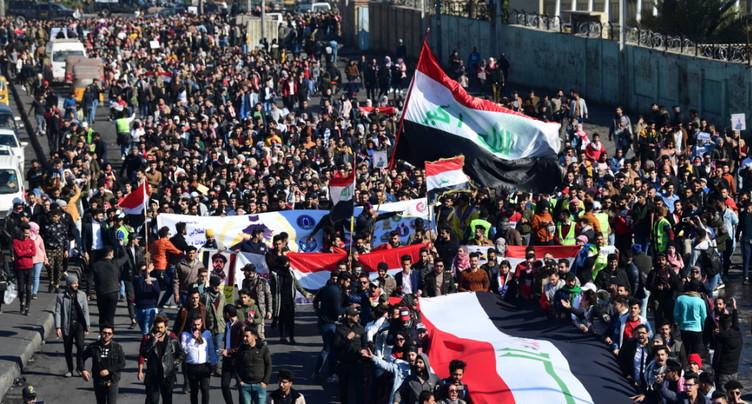 Irak: des milliers d'étudiants défient le pouvoir, plusieurs morts