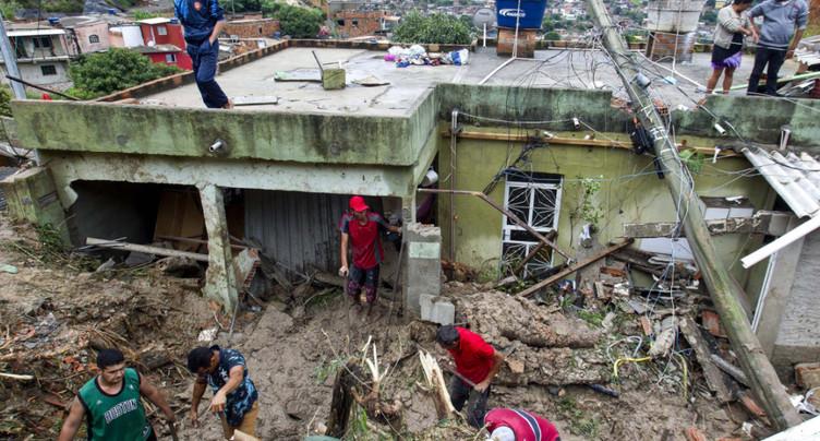 Une tempête fait au moins 37 morts