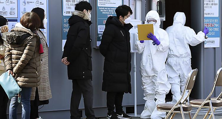 Le bilan passe à 2233 morts en Chine, nouveaux cas en Corée du Sud