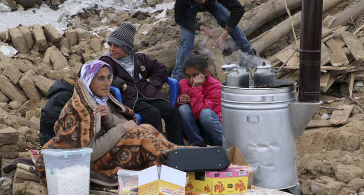 Séisme à la frontière irano-turque : sept morts en Turquie