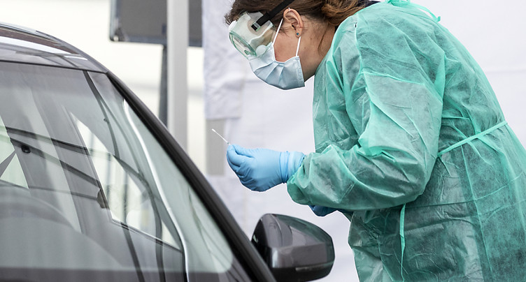 Ouverture d'un « drive-in » de tests au coronavirus à Lucerne