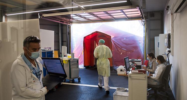 Près de 1400 cas de Covid-19 en plus en Suisse en 24 heures