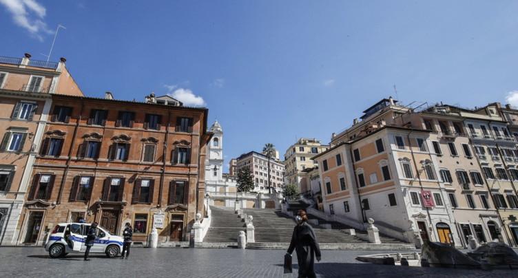 Italie: la progression du virus poursuit son timide ralentissement