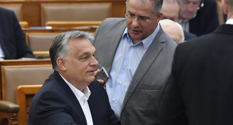 Pouvoirs quasi-illimités pour le gouvernement de Viktor Orban