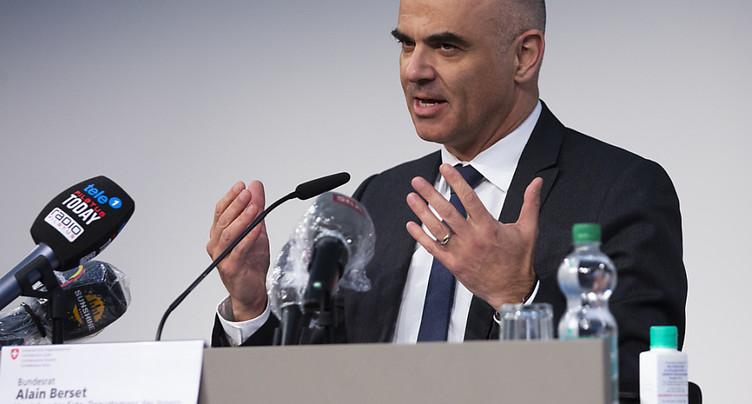 Alain Berset appelle les Suisses à résister au beau temps en avril