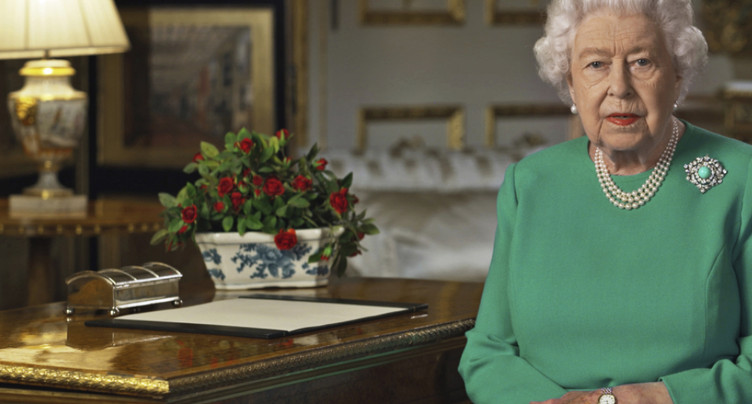 « Nous vaincrons » le coronavirus, assure Elisabeth II