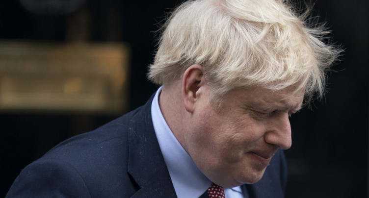 Boris Johnson admis aux soins intensifs