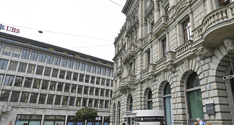 UBS et Credit Suisse vont payer le dividende en deux tranches