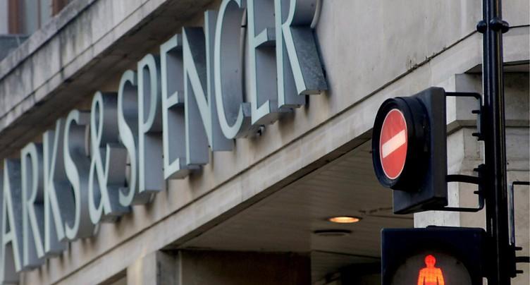 Au Royaume-Uni, les ventes de détail s'effondrent