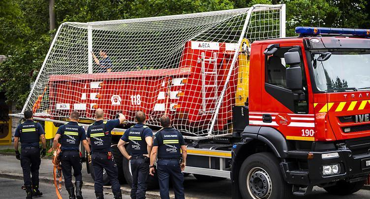 Un match de foot sauvage attire 1000 jeunes à Lausanne