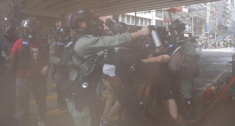 Centaines de manifestants à Hong Kong, des lacrymogènes tirés