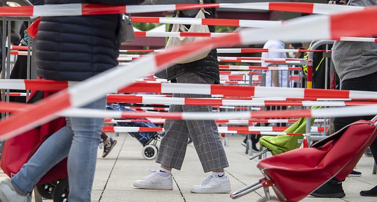 Les Suisses moins enclins à aider les travailleurs au noir