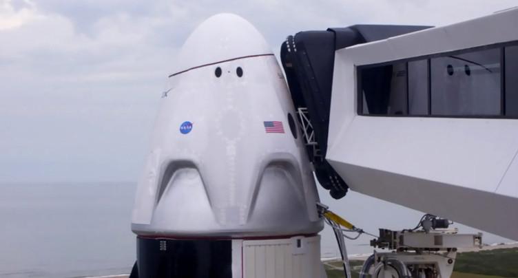 Le lancement du vol habité de SpaceX reporté à samedi