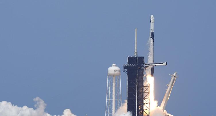 Décollage historique d'une fusée SpaceX avec deux astronautes