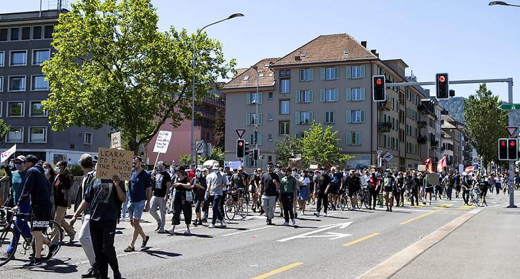 Zurich: plus un millier de personnes dans la rue contre le racisme