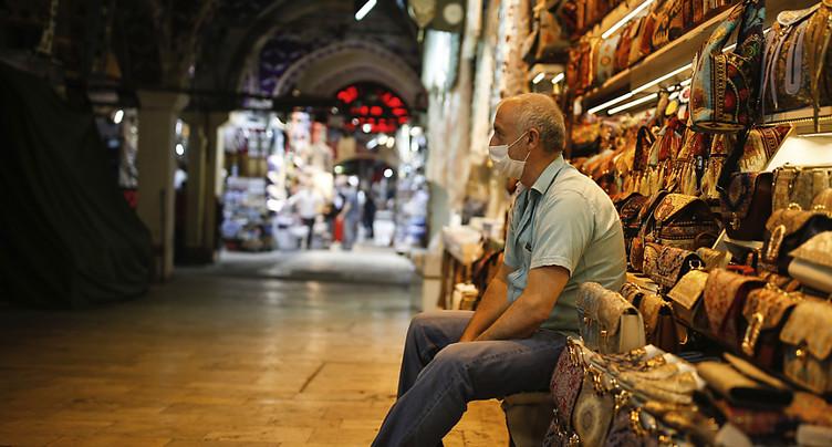 Le Grand Bazar d'Istanbul rouvre, la Turquie lève des restrictions