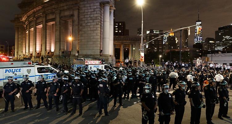 Mort de George Floyd: les manifestations continuent malgré tout