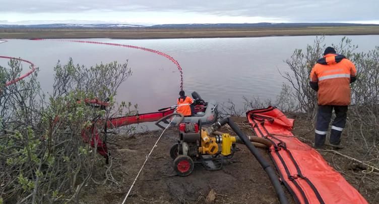 Progression de la marée noire dans l'Arctique russe « stoppée »