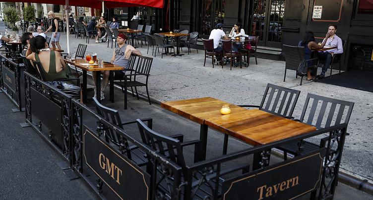 New York reporte la réouverture de ses salles de restaurants