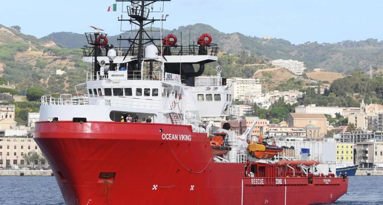L'Ocean Viking demande un secours d'urgence, 180 réfugiés à bord