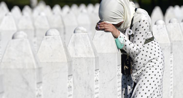 Srebrenica: 25 ans après, les musulmans pleurent leurs morts
