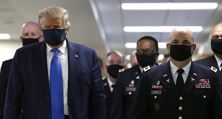 Trump masqué pour la première fois, record de contaminations