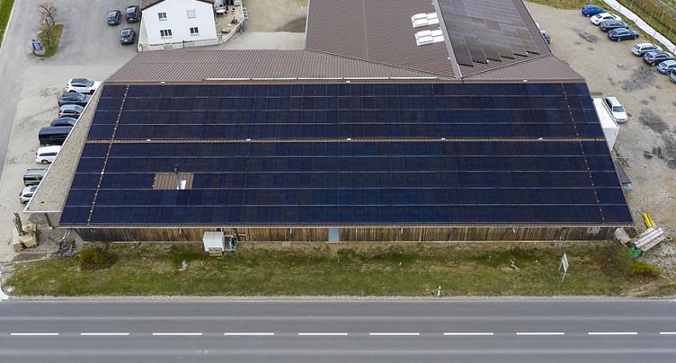 L'énergie solaire gagne peu à peu du terrain en Suisse
