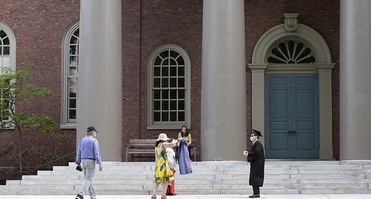 Washington renonce à priver de visas les étudiants étrangers