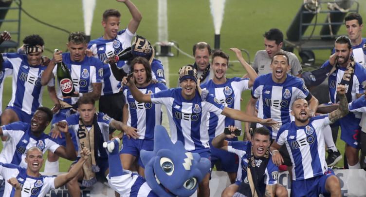 Porto sacré champion à huis clos, devant Benfica