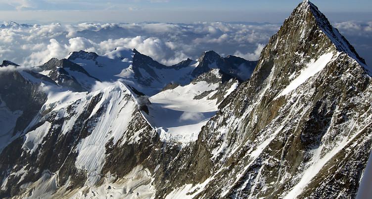 Un alpiniste perd la vie sur le Finsteraarhorn