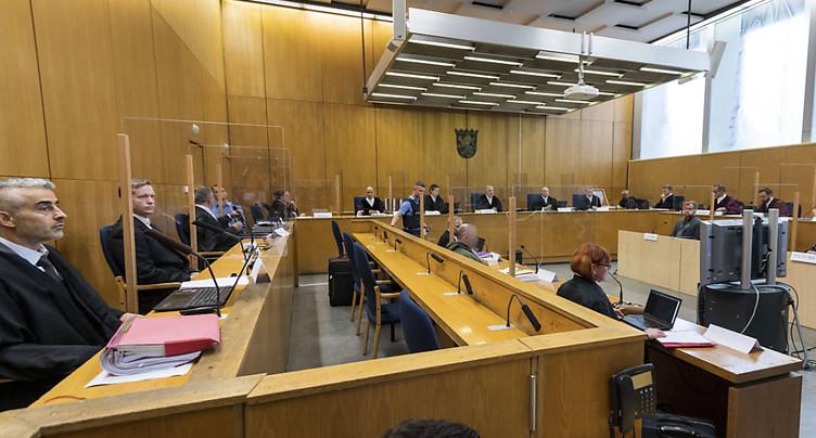Un néo-nazi avoue le meurtre d'un élu régional lors de son procès